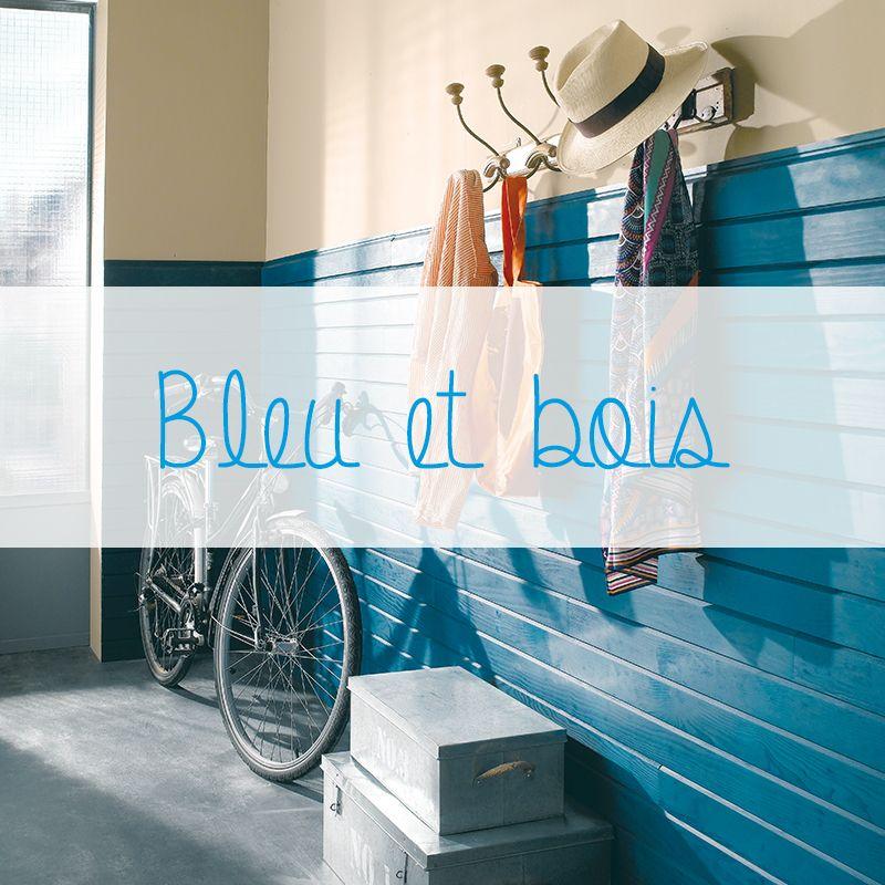 Ajoutez du bleu dans votre déco pour apporter du peps dans votre intérieur! Le bleu est une couleur indémodable qui convient à tous les styles de décoration : une chambre, un salon ou une entrée, le bleu s'adapte! Tout comme le bois qui est un matériau au fort pouvoir d'adaptation. Ici, il s'agit d'un parement au profil de faux-claire voie (collection Néographe de Imberty).