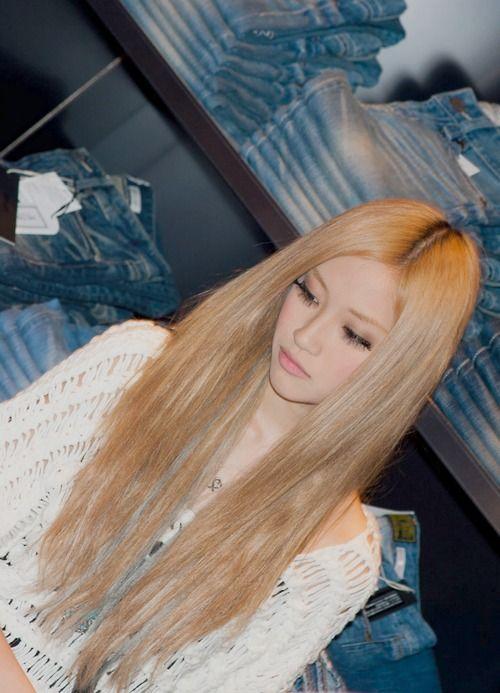 Asian loves blonde
