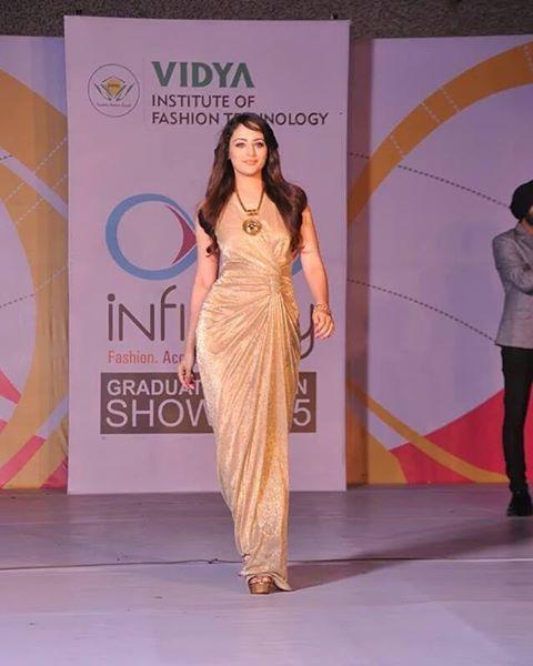 Vidya Knowledge Park On Instagram Qualitytime Spent With Zoyaafroz Zoyalovers Teamvidya Vidya Vidyaknowledgepark Meerut College Event Fashion Meerut