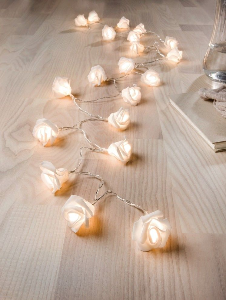 led lichterkette wei e rose festlich dekoriert lichterkette wei led lichterkette und. Black Bedroom Furniture Sets. Home Design Ideas