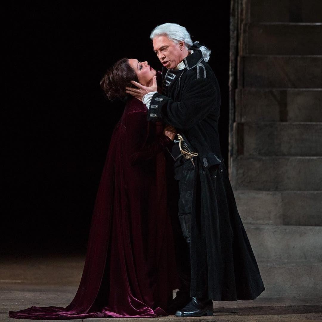 Metopera HDLive 3.10.2015 Il Trovatore Anna #Netrebko and the great Dimitri #Hvorostovsky (Photo: Marty Sohl) it was breqthtaking!