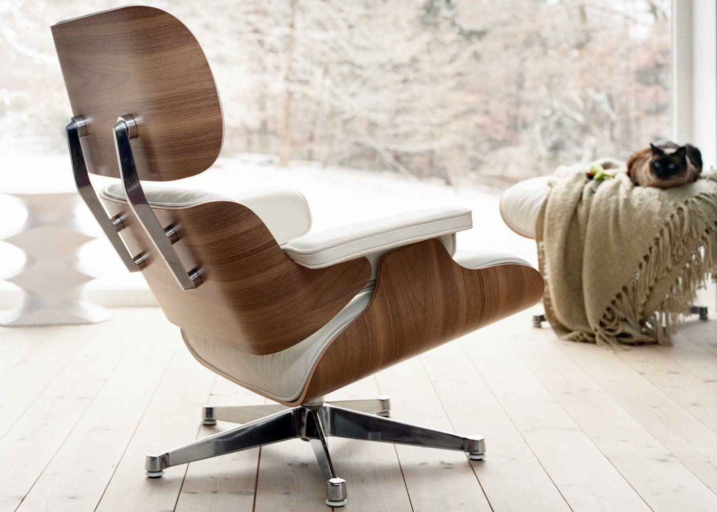Eames Lounge Chair snow.love it!!!! | Designer stoel