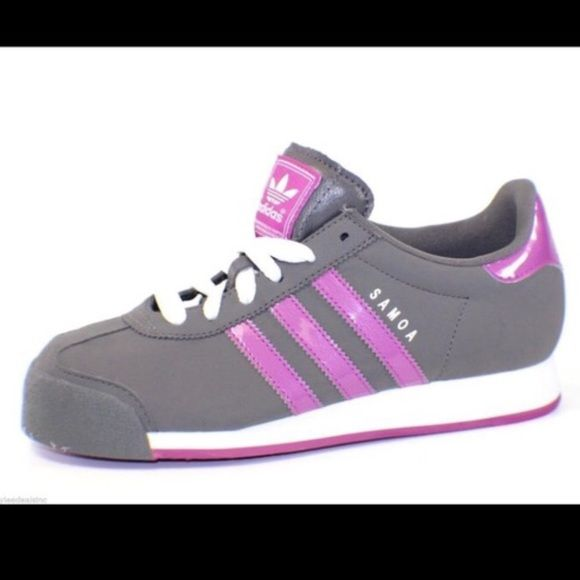 // A d i d a s • S n e a k e r s • S z 7 // Adidas woman's charcoal gray and purple sneakers Sz 7. Worn once and in near perfect condition! **Under Armor top is in a separate listing** Thanks for looking! Adidas Shoes Sneakers