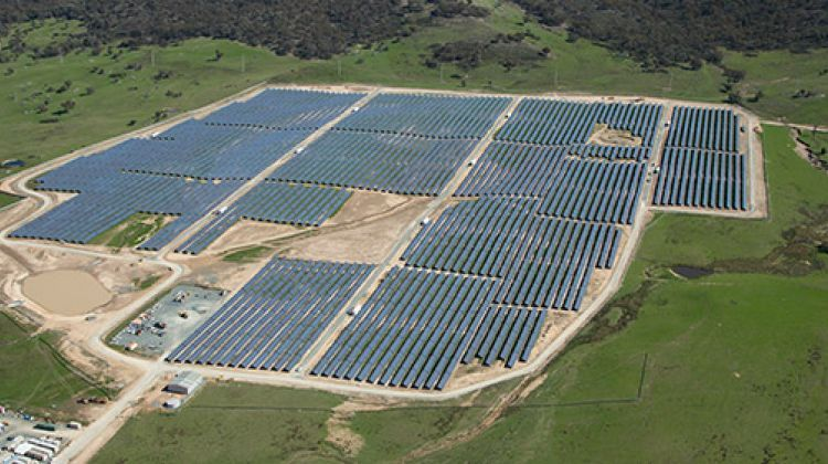 Frv Picks Acciona And Gransolar To Construct 100mw Solar Plant In Australia Solar Pool Solar Panels Solar Farm