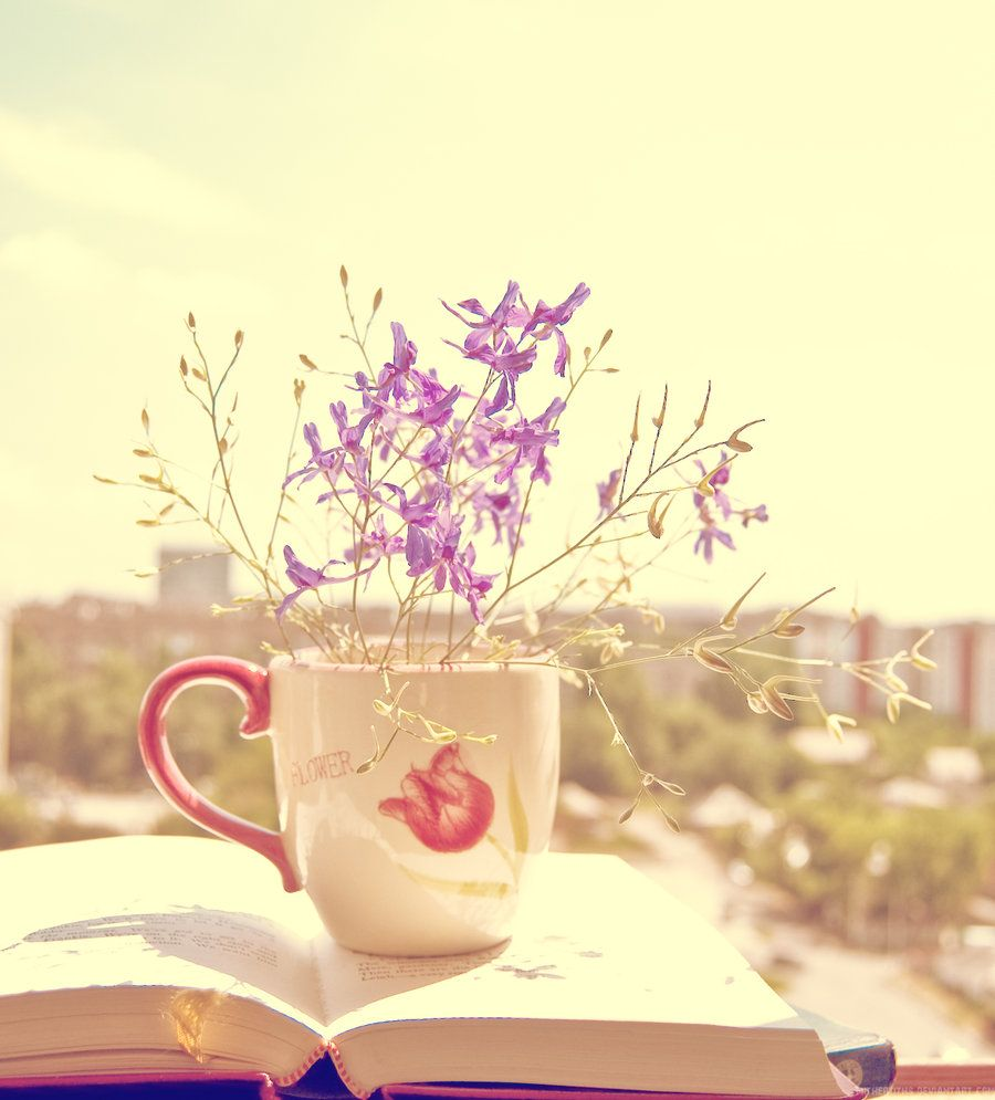 Nothing can substitute a good read, a cup of tea and a warm spring day