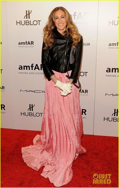 I Loved This Look On Sarah Jessica Parker Pink Dress Under A Cool Leather Jacket