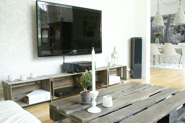 Sommerjenten`s interiørhule: Gamle eplekasser = tvbenk