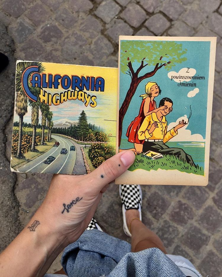 "KASIA KOTNOWSKA ☽ na Instagramie: ""Dla mojej Sary na imieniny, rozkładana California 🌞 i piękna stara pocztówka. #california #californiadreamin #vintage #vintagepostcard…"""