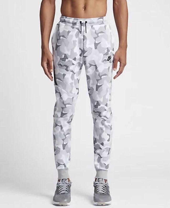 dc9b81451 Mens Nike Sportswear Tech Fleece Joggers Sweatpants White CAMO 823499 100  LARGE