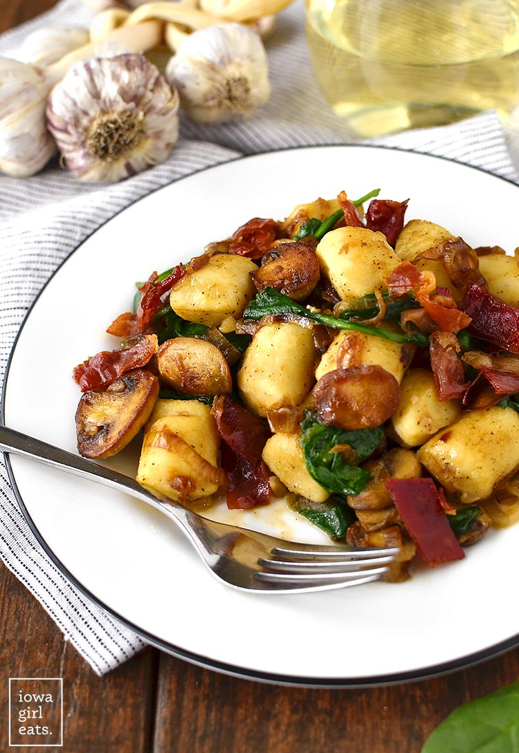 Gnocchi with spinach mushrooms and crispy prosciutto recipe dinners sisterspd