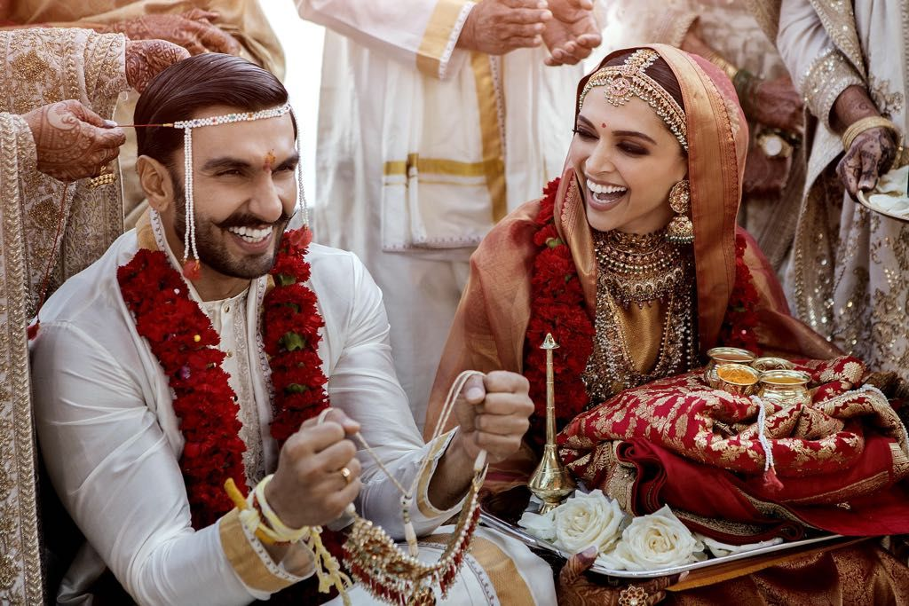Deepika Ranveer setting major goals!! Indian wedding