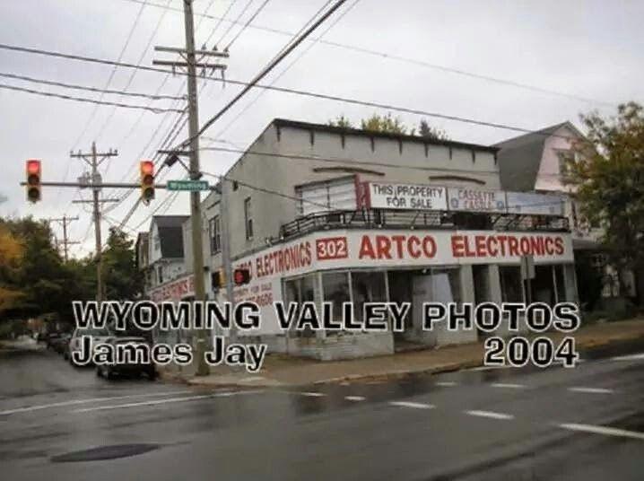 Corners Hoyt n Wyoming Ave Kingston.  PA
