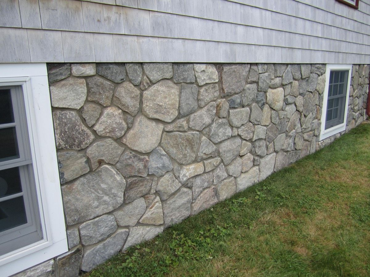 Stone Veneer Transforms Concrete Foundation Skirting In