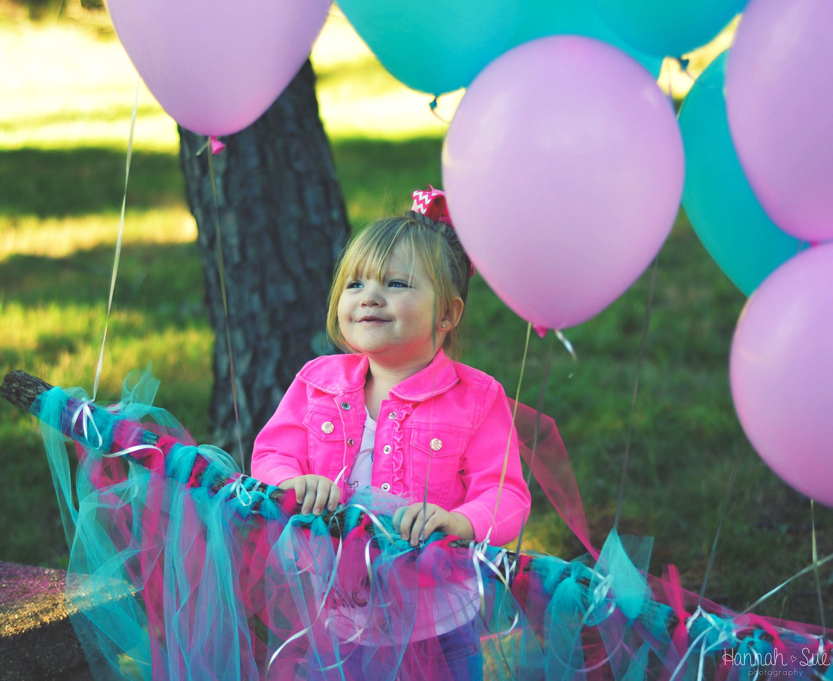 Hannah sue photography, Rolla, Missouri, two year pictures, two year old, outside, pink and blue, balloons, backyard, summer 2016, toddler, cute outfits, hannahulbrich, photo ideas, two year old photoshoot, pink and teal Photoshoot, two year old picture idea, posing ideas
