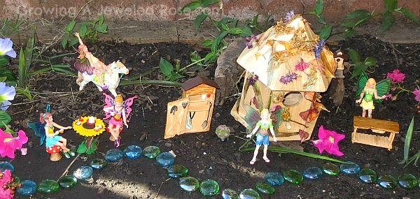 pretendplaymagicalfairygardenjpg 600285 pixels Gardening
