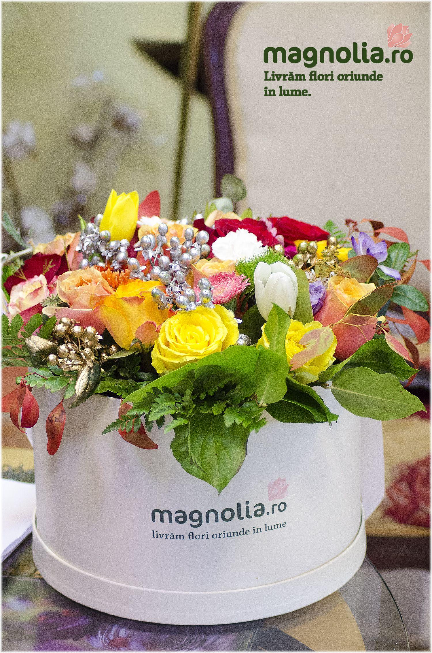 Aranjament Floral în Cutie Cu Accesorii De Iarnă Box Flower