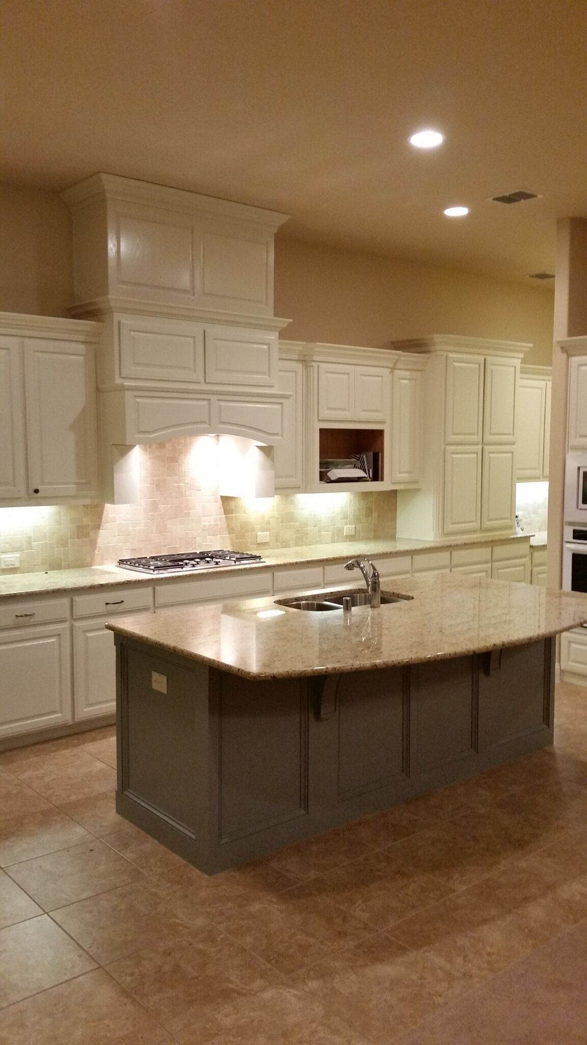 Cabinet refinishing gives the perfect look to your ...