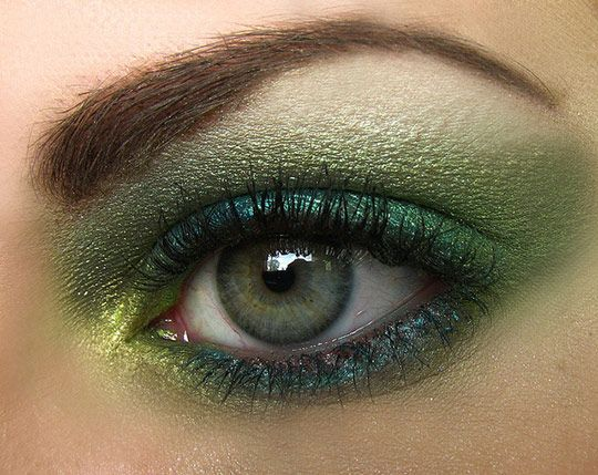 Девочка с зелеными глазами девочка с зелеными глазами. Малыш с зелеными глазами зеленоглазка зеленоглазая красотка.