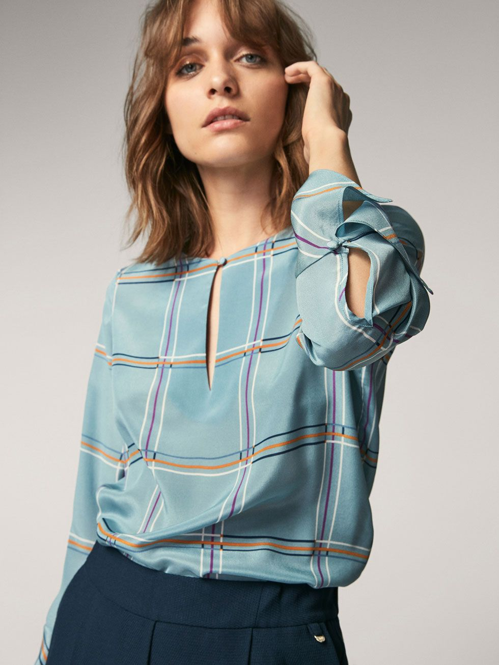 384d148377f Spring summer 2017 Women´s CHECKED SILK SHIRT WITH FLARED DETAIL at Massimo  Dutti for 89.5. Effortless elegance!