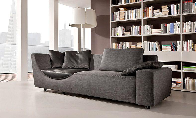 produkte wohnen haus der wohnkultur sofa freistehend vor b cherregal einrichtung sofa. Black Bedroom Furniture Sets. Home Design Ideas