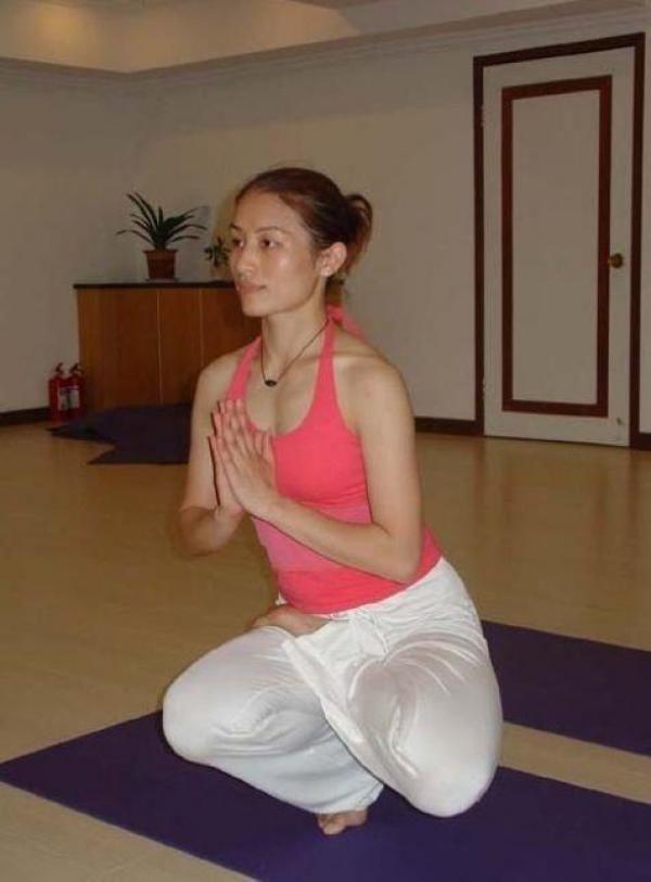 全套瑜伽簡單教學,太好了,終於找到了!激動!   Love分享