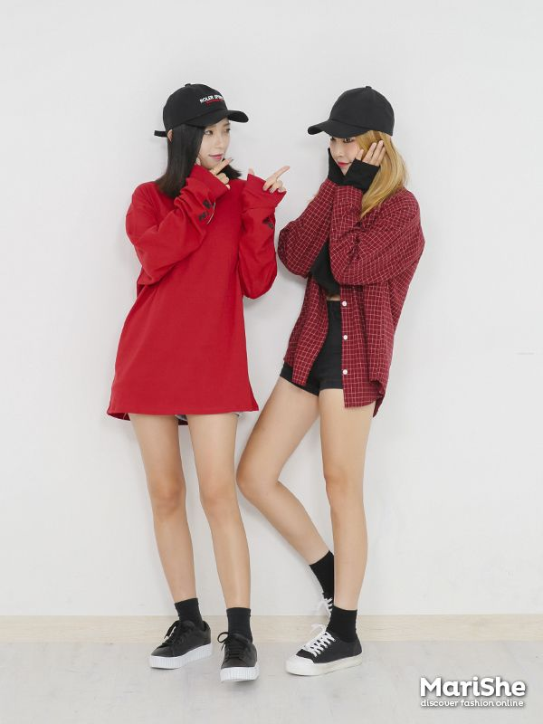Popular fashion trend in Korea: Twin Look Dressing similarly with ...