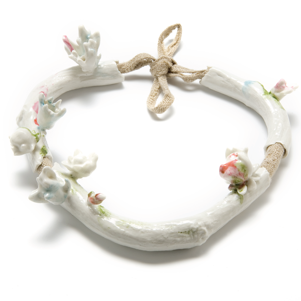 Dutch jewellery designer Evert Nijland on Pop Up Uau! Rococo Porcelain and Linen Necklace. http://popupuau.wordpress.com/