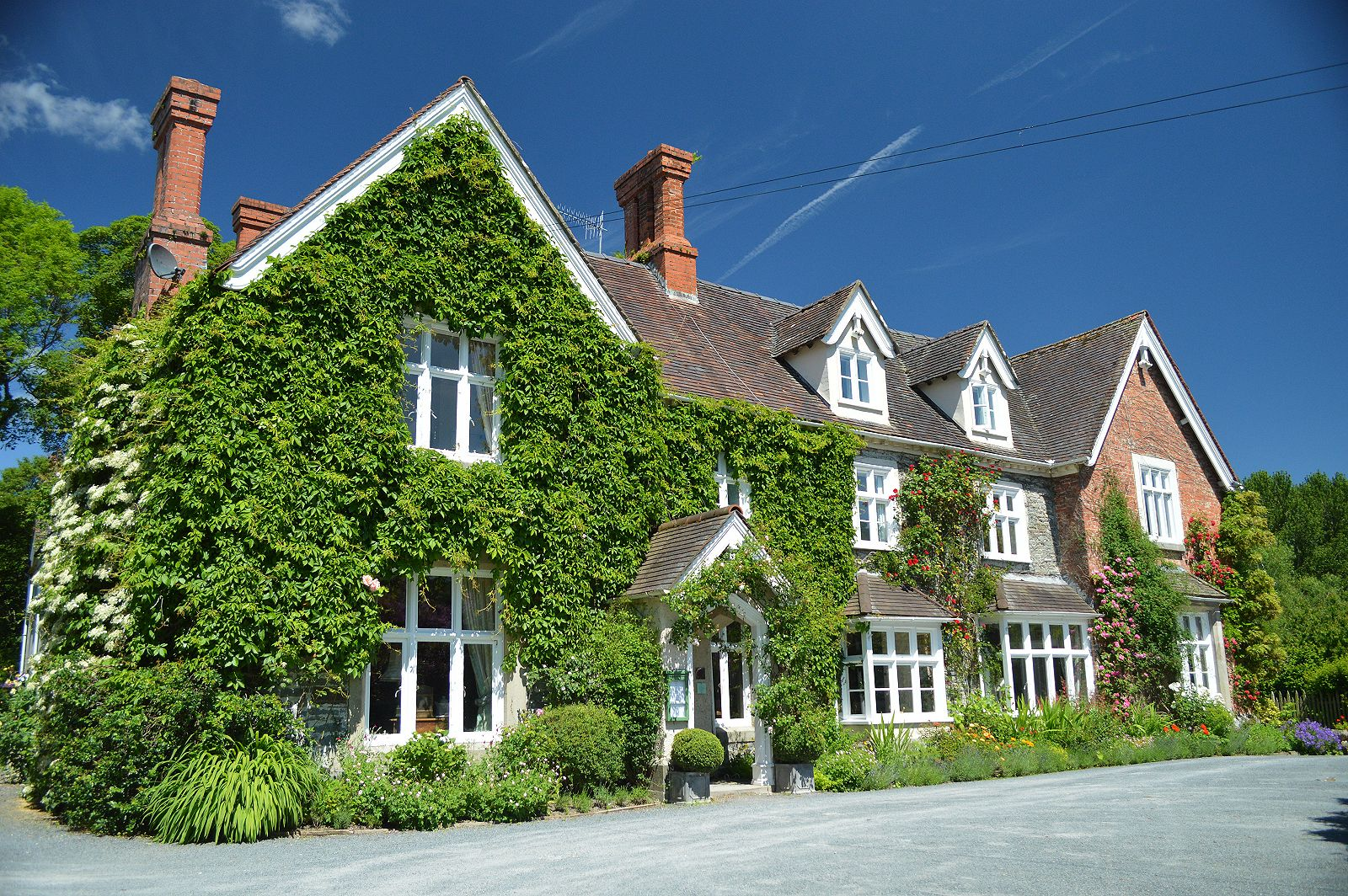 Country house hotel near knighton in midwales minutes from