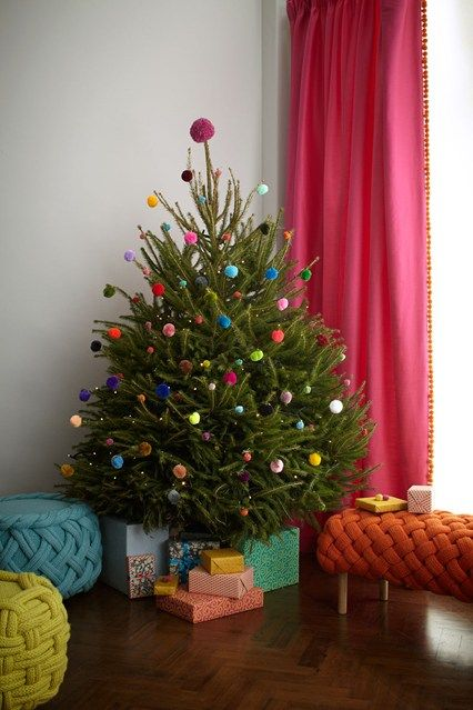 Real Christmas Trees Decorated.Pom Pom Tree Christmas Tree Decorating Ideas