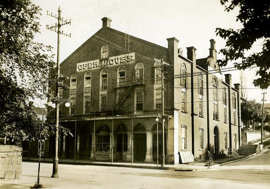 Old Opera House was Turner Hall, photo taken ca. 1918