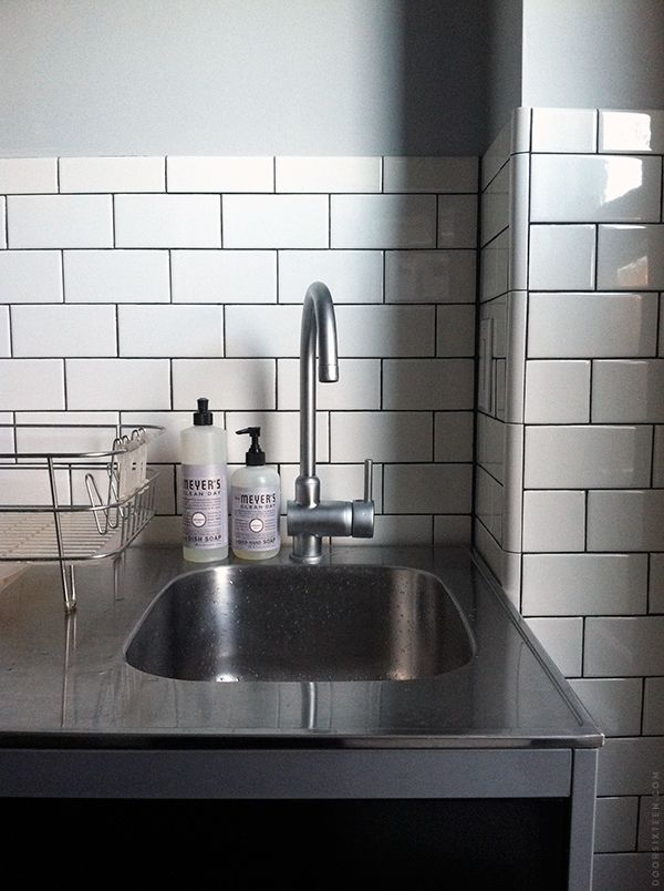 Valspar S Filtered Shade Subway Tile Black Grout