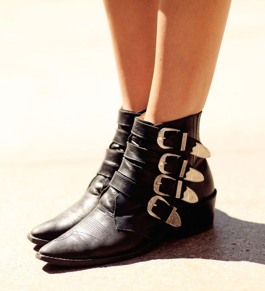 TOGA PULLA Four buckle boots 6D6OuLnEz