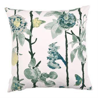 Piffa upp din soffa med det färgstarka Flowerwall kuddfodral från Mairo designat av Tess Jacobson. Kuddfodralet är tillverkad i fin bomull och har ett romantiskt mönster med slingrande blomstergrenar i olika nyanser. Kombinera kuddfodralet med textilier i liknande färger för en enhetlig stil! Välj mellan olika varianter.