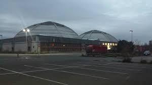 """Leipzig; Frühere Markthalle für Gemüse (daher  """"Kohlrabizirkus""""), heute Veranstaltungsort für div. Märkte"""