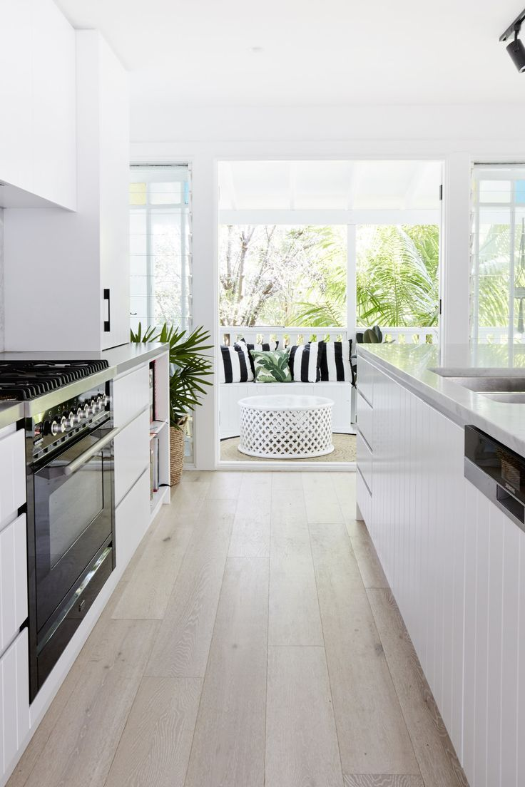 Best Simple Modern Kitchen Light And Airy Black And White 640 x 480