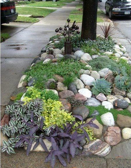 dejar sectores entre los pastelones para un jardin con piedras blancas y de colores y gravilla