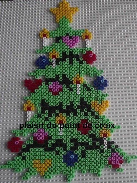 weihnachten b gelperlen christmas hama perler beads b gelperlen pinterest buegelperlen. Black Bedroom Furniture Sets. Home Design Ideas