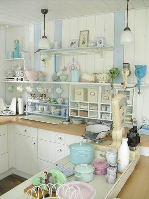 Pastel kitchen. Pünktchenglück Haus küchen, Shabby chic
