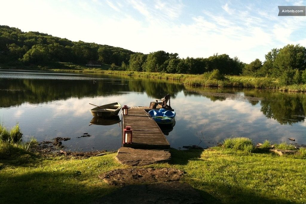 LAKEFRONT logCABIN CATSKILLS, NY. in Jefferson (With