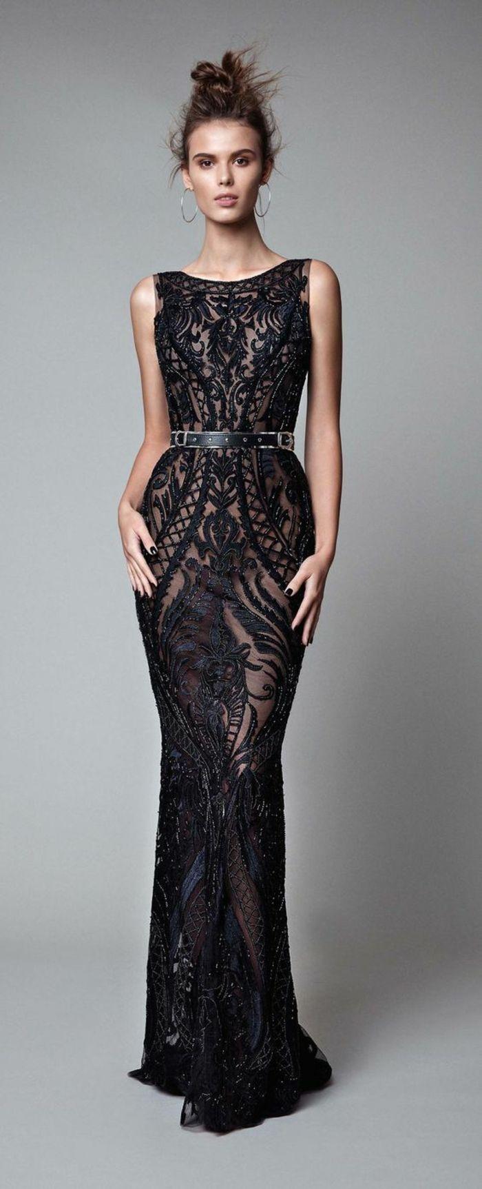 b8adf8d12477 robe ceremonie femme sans manches robe moulante et taille sublimée par une  fine ceinture noire