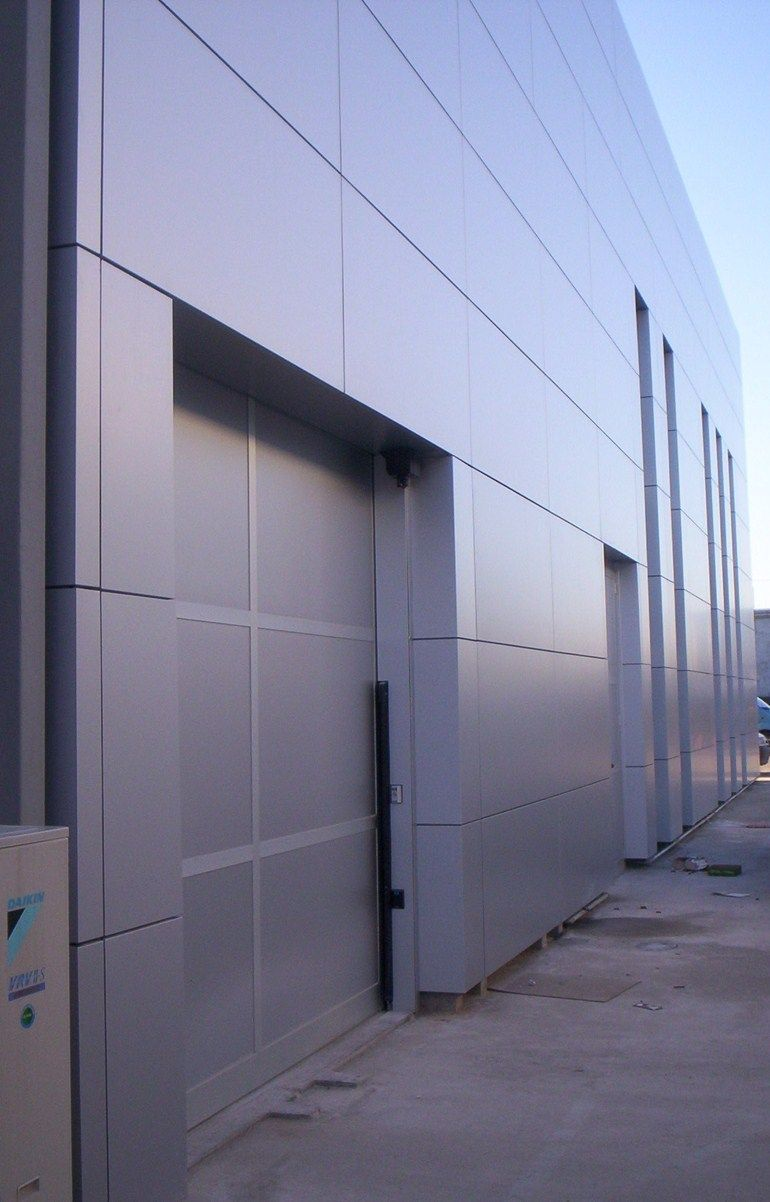 Panel met lico aislante para fachada reynobond by sap for Paneles aislantes para fachadas