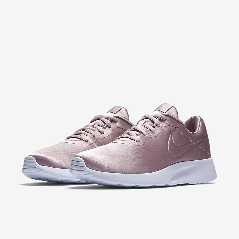 low priced aeedc f14cb NIKE WMNS TANJUN PREMIUM SHOE