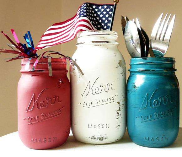 Easy last minute red, white, & blue mason jars for holding utensils
