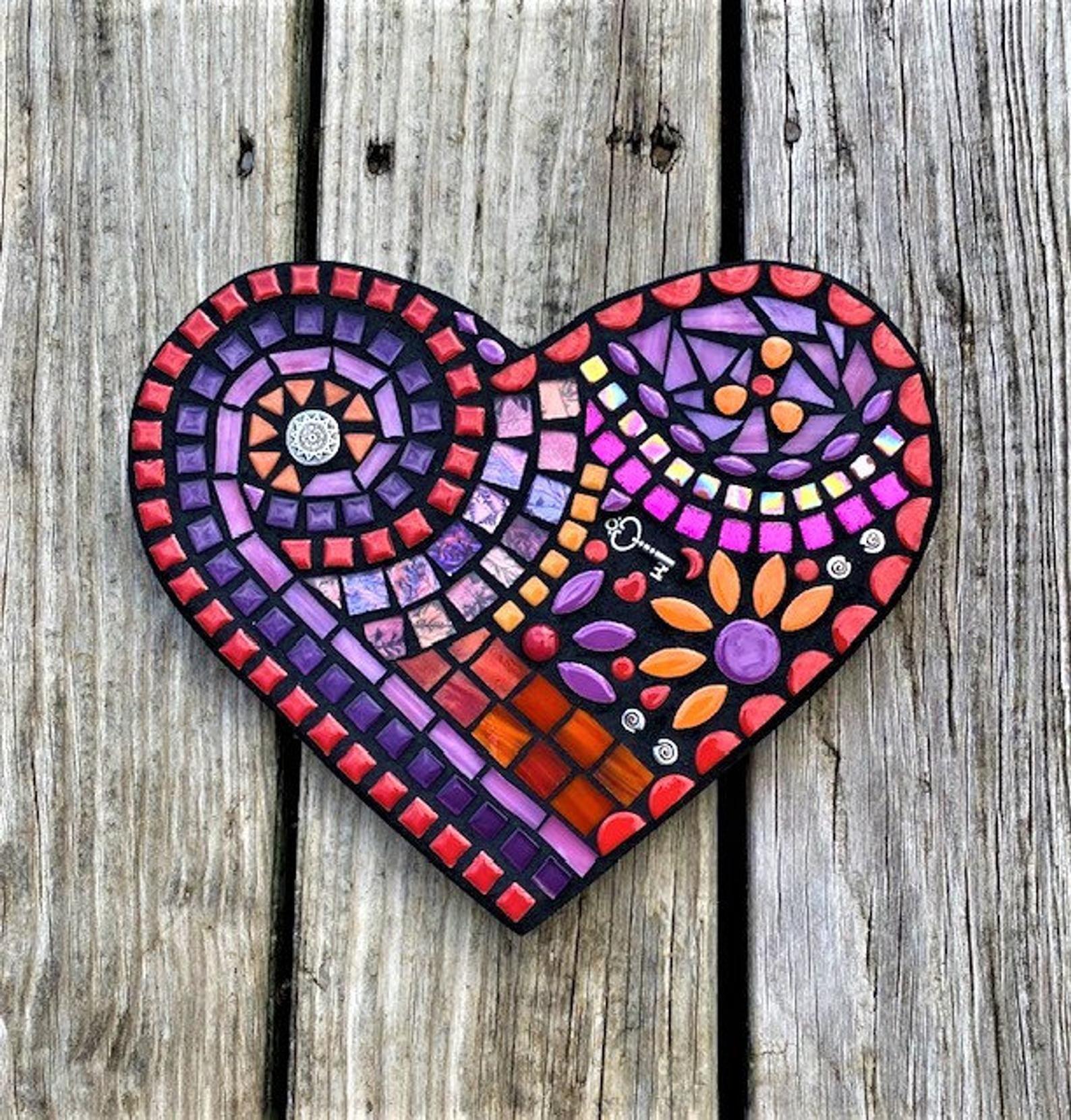 Red Daisy Mosaic Wall Hanging-framed mosaic art-mixed media mosaic-mosaic glass art-decorative art-wall decor