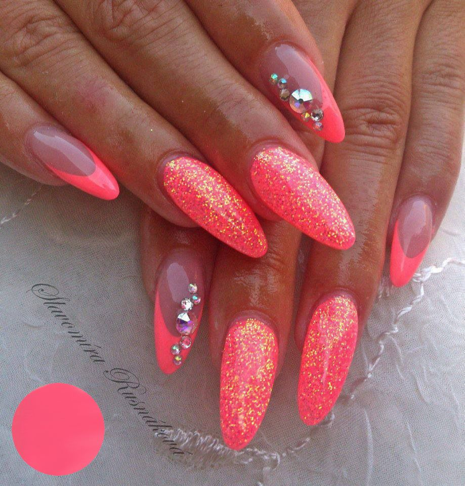 Neon Nails met soak off gel polish: http://www.metoenailsforyou.nl/a ...