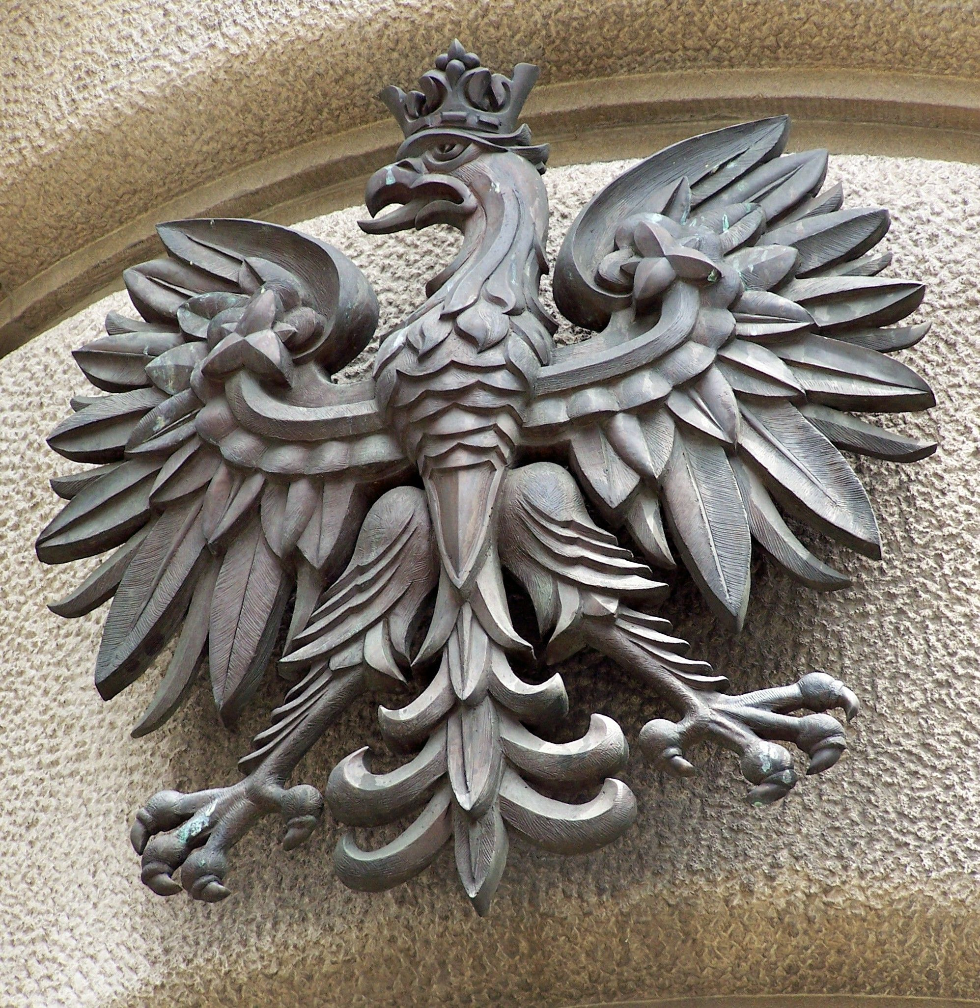 a white eagle is poland u0027s official crest and most known symbol