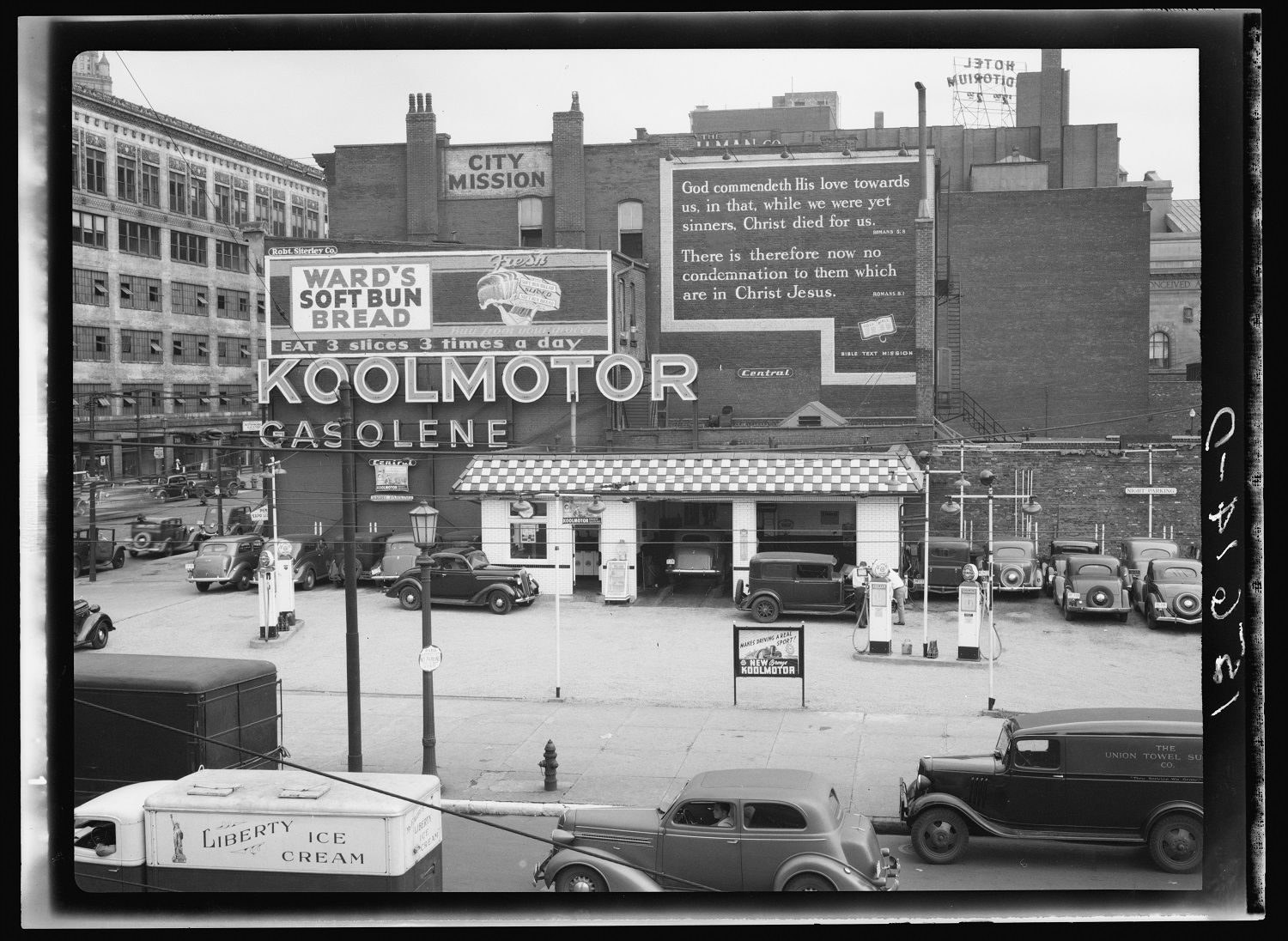 Gas station and gospel mission. Cleveland, Ohio 1937