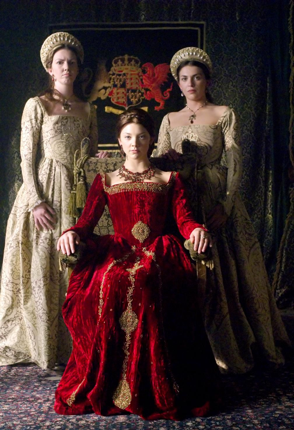 Green dress on pale skin  Queen Anne Boleyn and her Ladies in waiting  Costumes  Pinterest