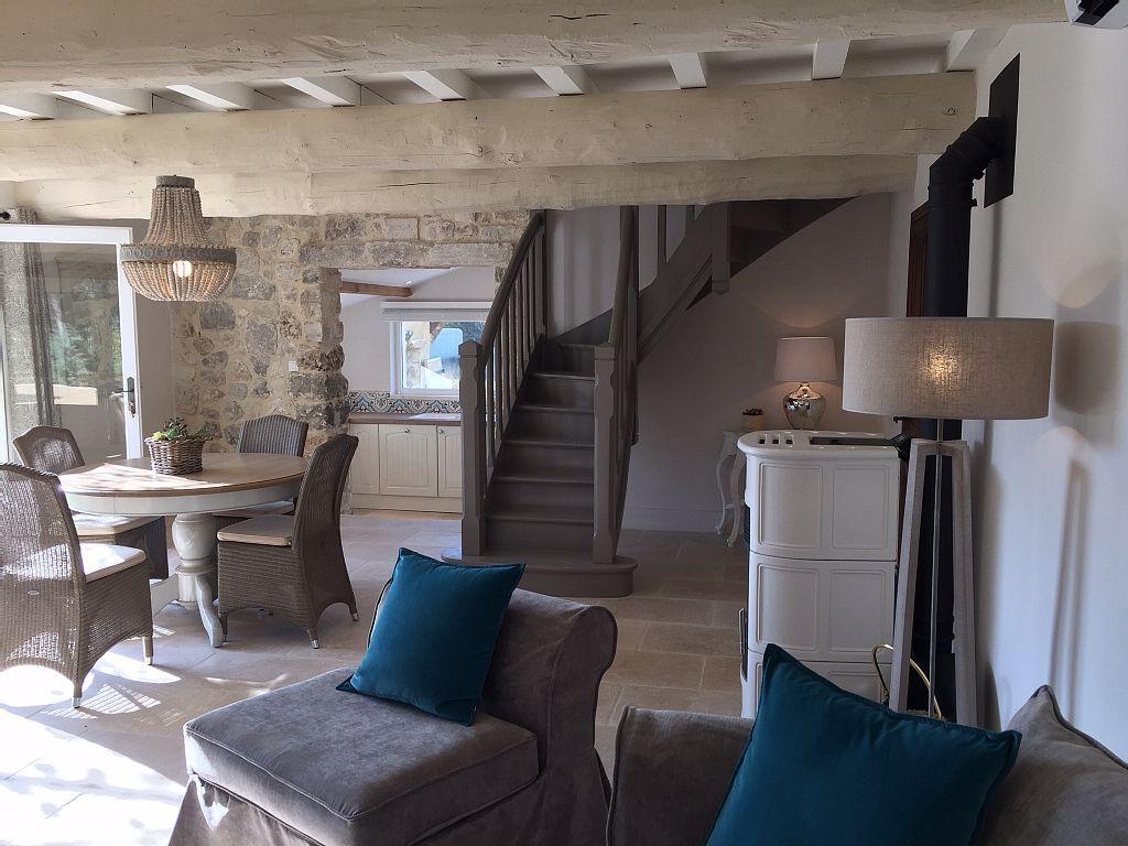 Location vacances mas saint r my de provence maisons d 39 ici et d 39 ailleurs en 2019 pinterest for Decoration interieur maison provencale