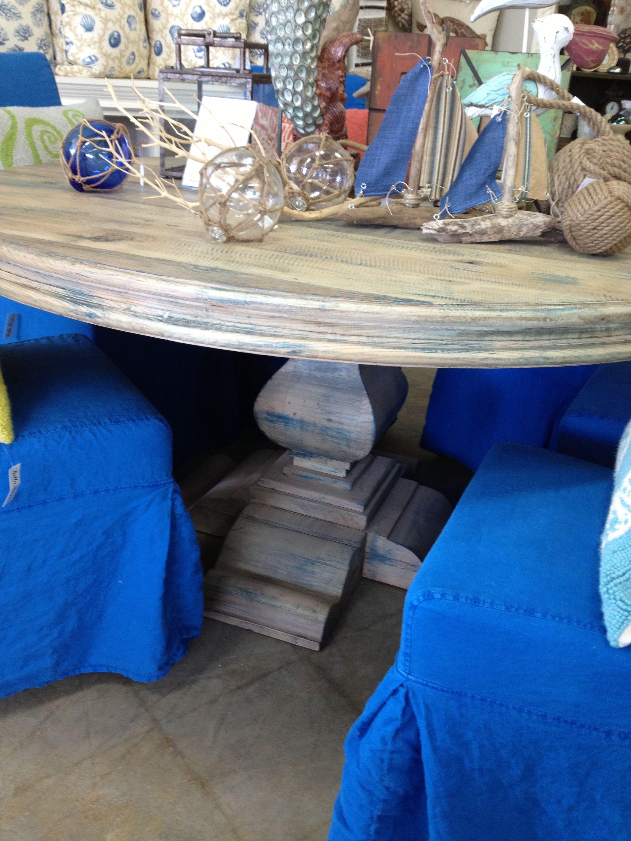 Custom dining table made from re-claimed Douglas fir www.bellabazaar.com